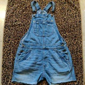 American Eagle Outfitters overalls😉